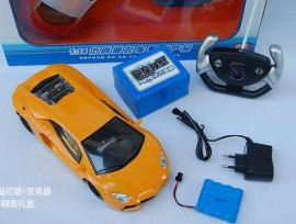 遥控汽车玩具