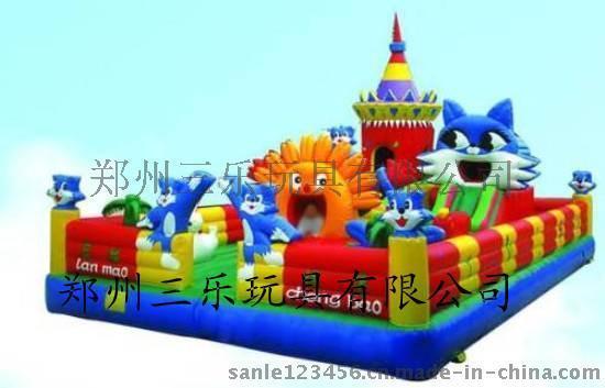 藍貓總動員充氣城堡  山東遊樂場經營兒童充氣蹦蹦牀生意不錯