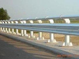 贵州高速公路护栏板防撞栏波形护栏板生产厂家