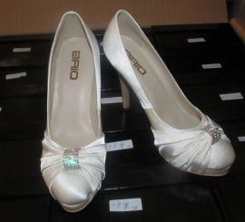 时装女鞋加工厂定制鞋厂