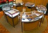 深圳最专业的卡地亚展柜制作商,拉丝不锈钢电镀古铜色珠宝展柜