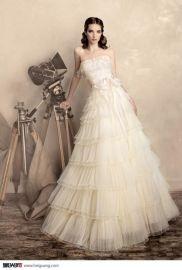 斯达独家设计婚纱