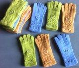 厂家生产批发新款女士针织毛线手套时尚钉珠花朵手套手工艺手套