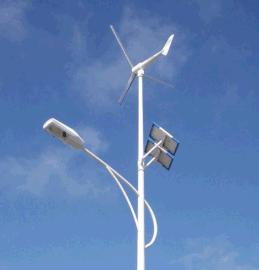 四川成都太阳能路灯厂家 风光互补太阳能路灯价格参数