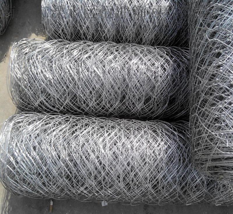 南京供应包塑防洪六角边坡铁丝石笼网 编织六角拧花石笼
