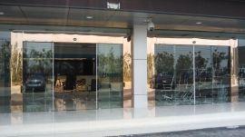 福永安装自动门,宝安区沙井感应玻璃门维修,配自动玻璃门遥控器