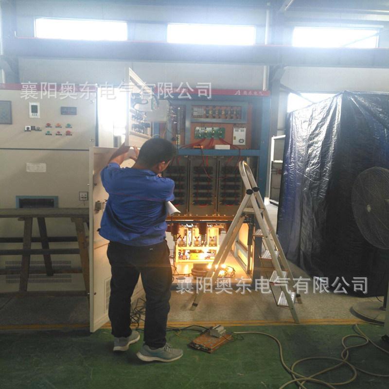 一体化高压固态软起动装置出厂前正在做各项测试和检测