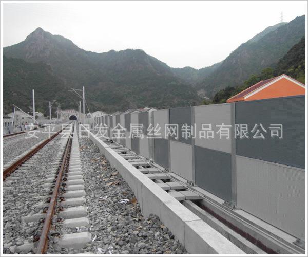 铁路声屏障1