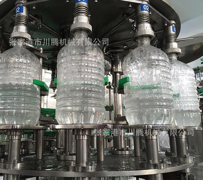玻璃瓶自动灌装机2