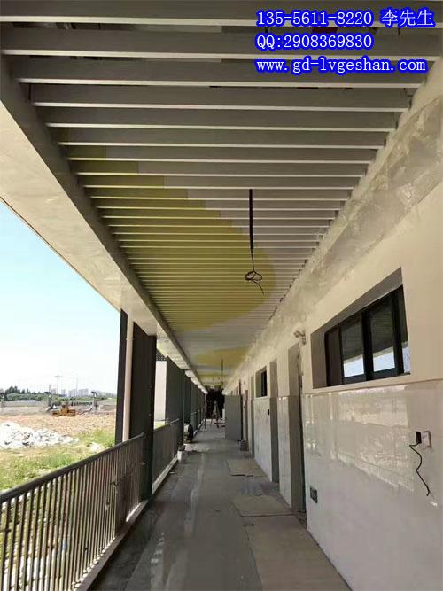 走廊通道铝天花效果图 走道铝方通吊顶  - 副本.jpg