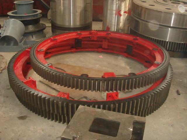滚筒式1.8米复合肥烘干机大齿轮托轮653512665