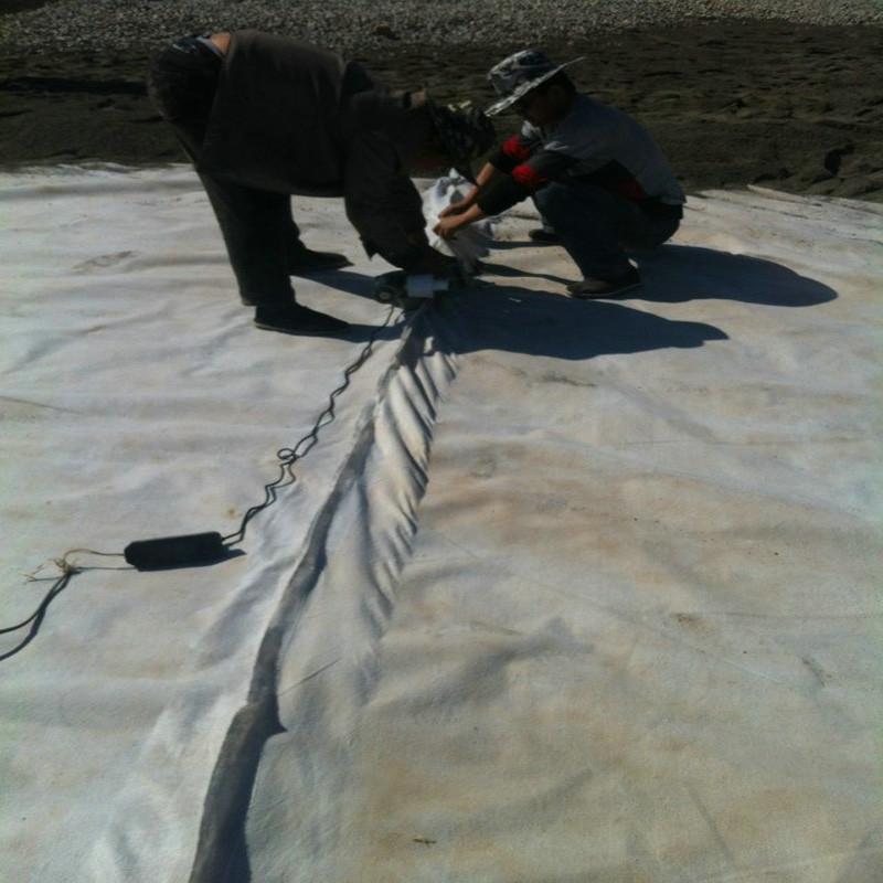 700克非织造布复合土工膜施工单位