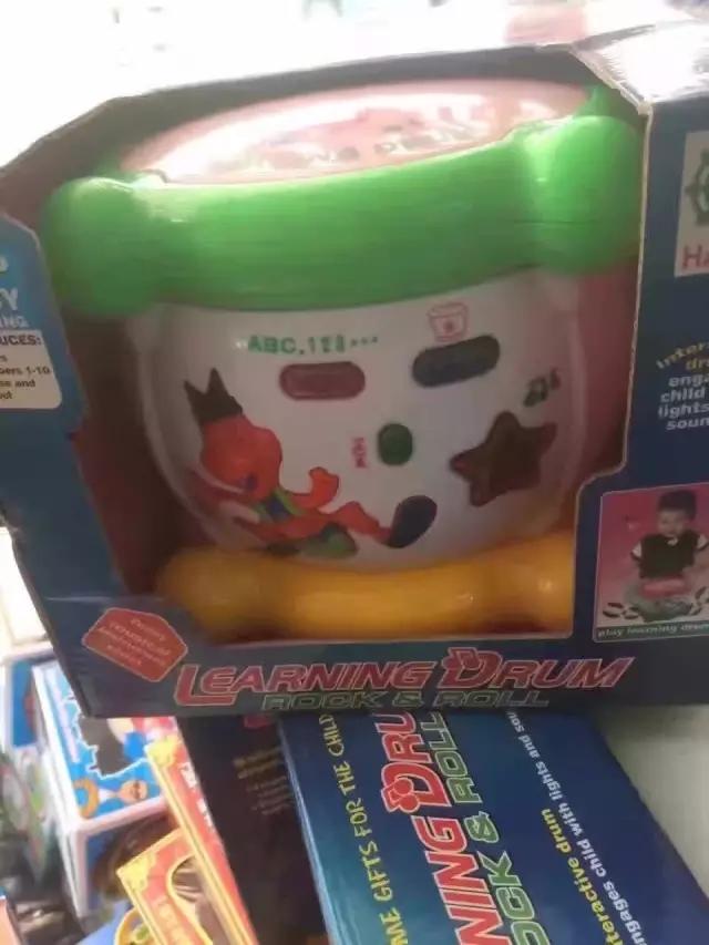 地攤玩具新熱賣混批貨源庫存玩具稱斤玩具步行街夜市論斤批發處理