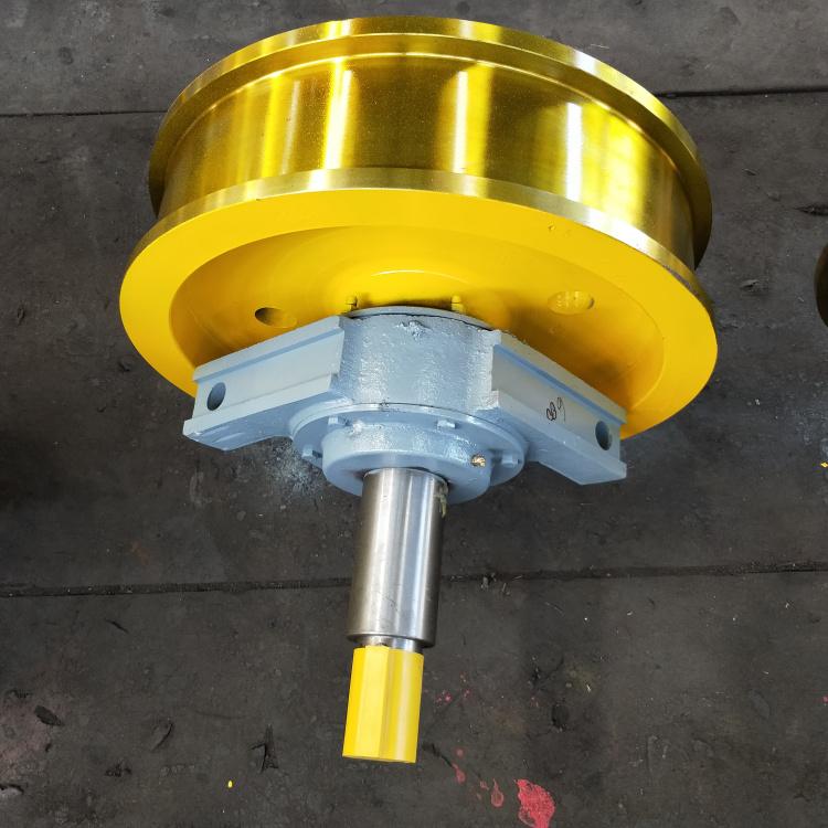 700×210双边主动行车轮双梁锻造行车轮组**131961152