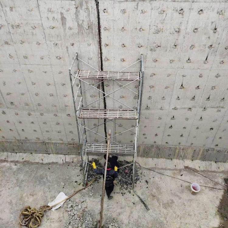 水池交接缝渗漏水堵漏-大坝施工缝补漏动态941804175