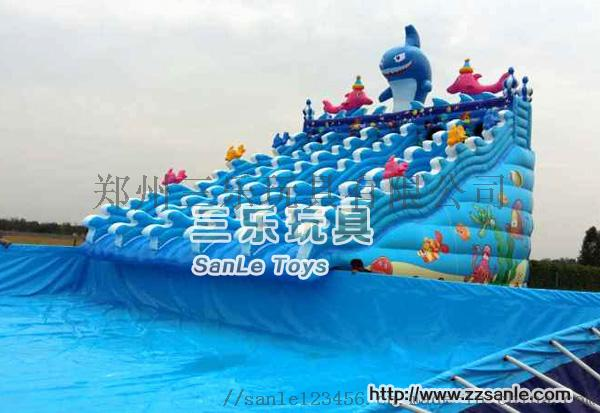 大鲨鱼充气水滑梯.jpg