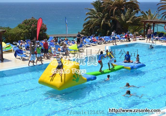 游泳池漂浮玩具.jpg