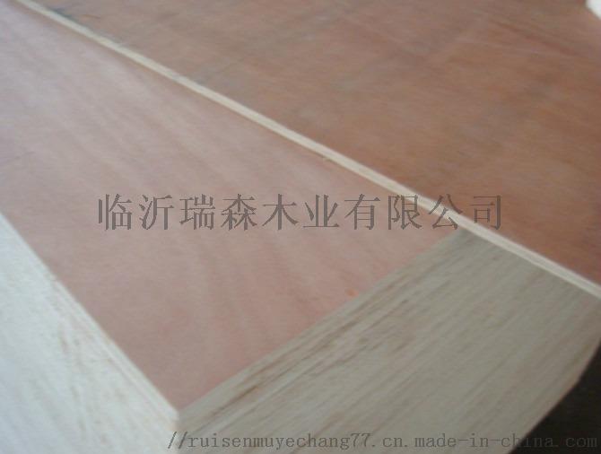 二次砂光桃花芯奥古曼面多层胶合板杨木多层板77354062