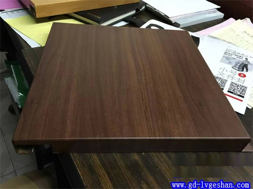 勾搭式铝单板吊顶 木纹铝单板安装 铝单板规格