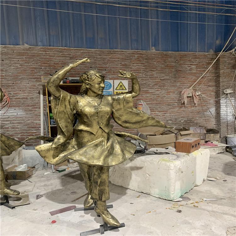 玻璃钢跳广场舞人物雕塑 公园文化广场仿铜人物玻璃钢934533105