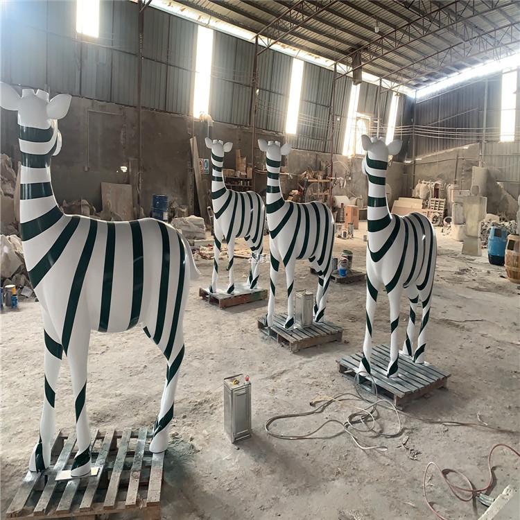楼盘景观几何鹿雕塑 不一样玻璃钢抽象鹿群展示931046985