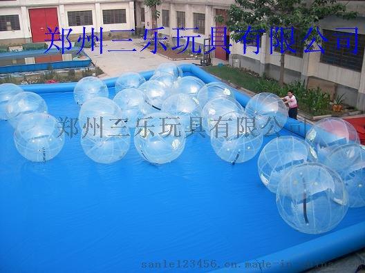 水上步行球水池
