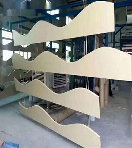 异形铝方通定制 木纹铝板造型 木纹铝方通造型.jpg