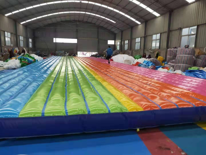 山东青岛大型彩虹色网红桥充气气垫厂家定做108442712