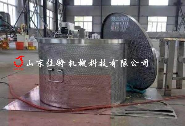 香菇脆是如何加工生产,河南新款香菇脆真空油炸机111091232