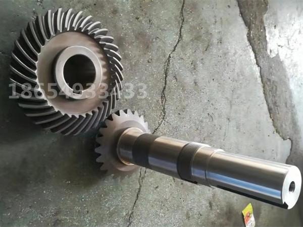 减速机齿轮厂家-伞齿价格-560颗粒机齿轴826853562