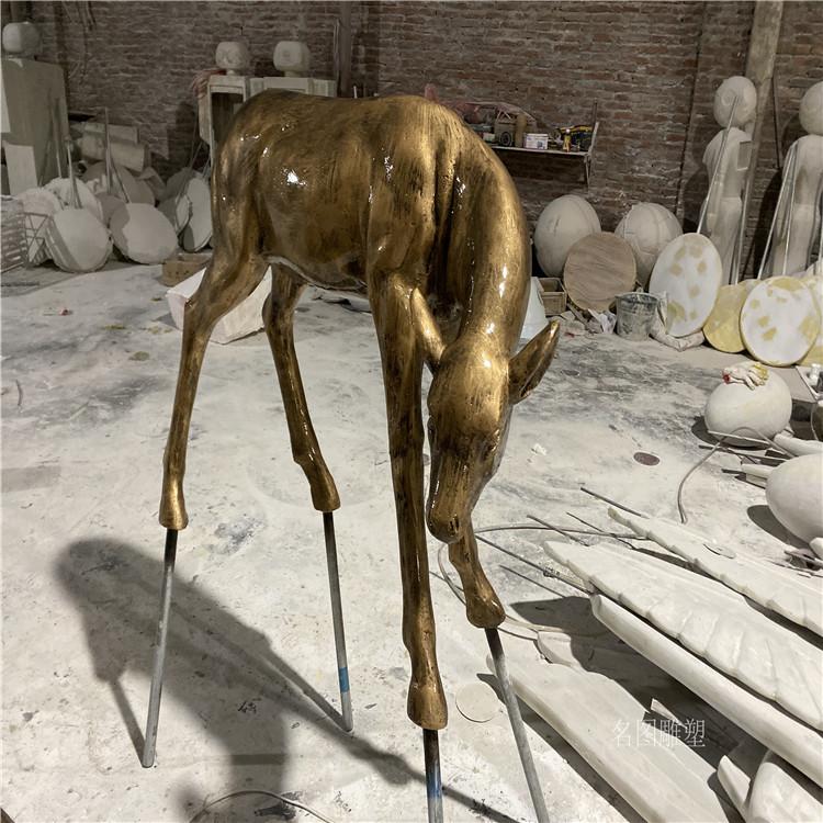 楼盘景观几何鹿雕塑 不一样玻璃钢抽象鹿群展示145223695