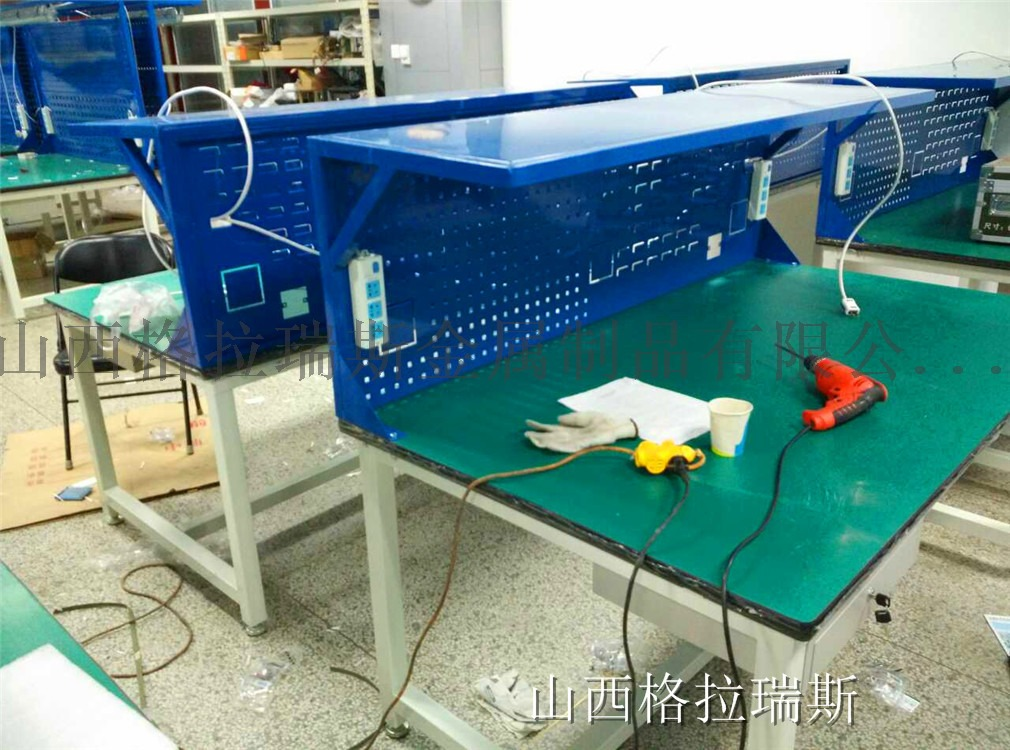 山西太原轻型灯架工作台电子电工钳工工作台供应90892672