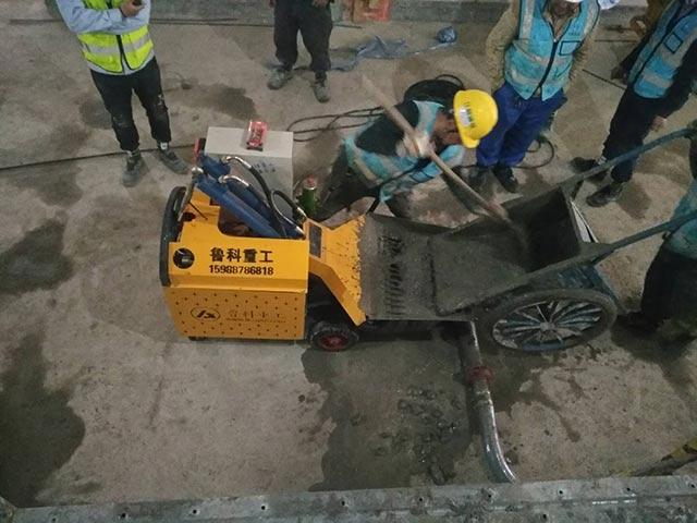 小型二次构造柱泵施工