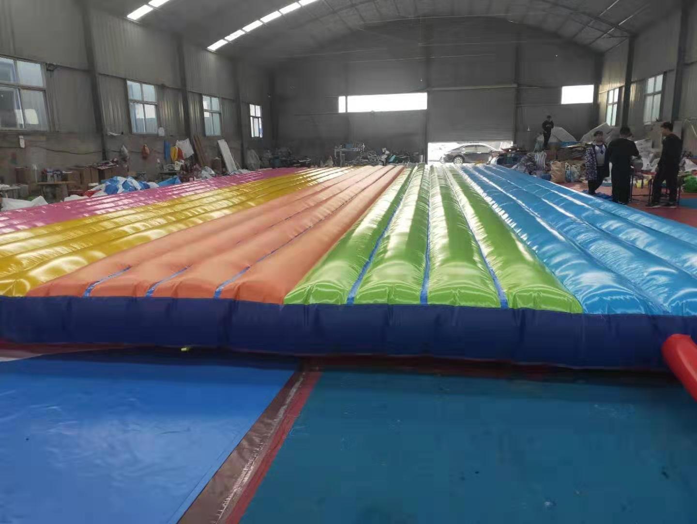 河南大型彩色网红桥气垫定做多少钱一套828384142
