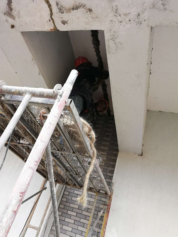 随州地下室连通口漏水堵漏 小区车库后浇带补漏处理937946855