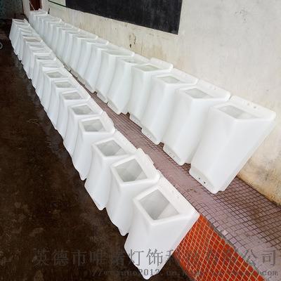 滚塑加工厂家直销容器清洁洗地机塑料配件PE外壳 (1).jpg