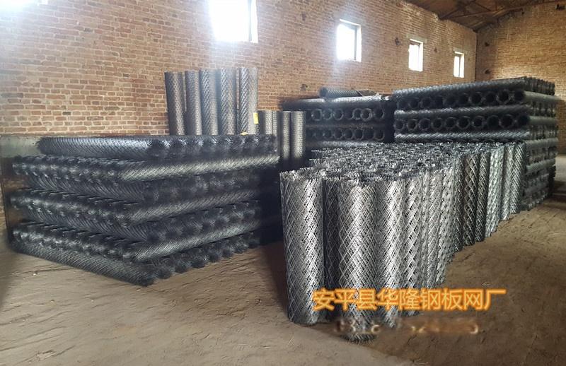 安平钢板网厂家,油田矿井工作平台脚踏钢板网40425492
