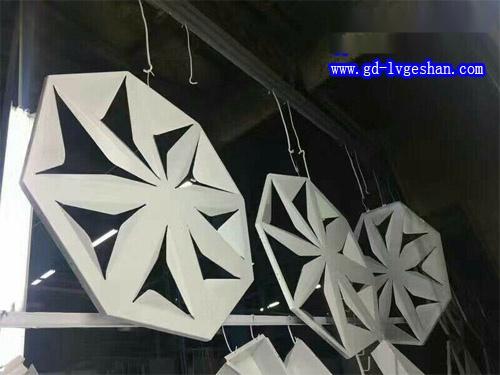 异形铝板镂空 吊顶铝板镂空 铝单板规格.jpg