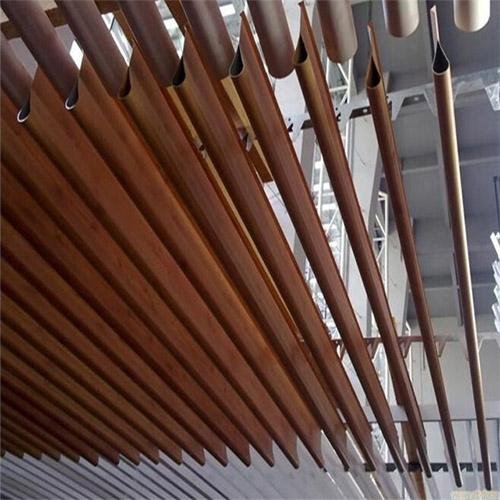 木纹铝挂片吊顶 滴水木纹铝挂片 铝挂片图片.jpg
