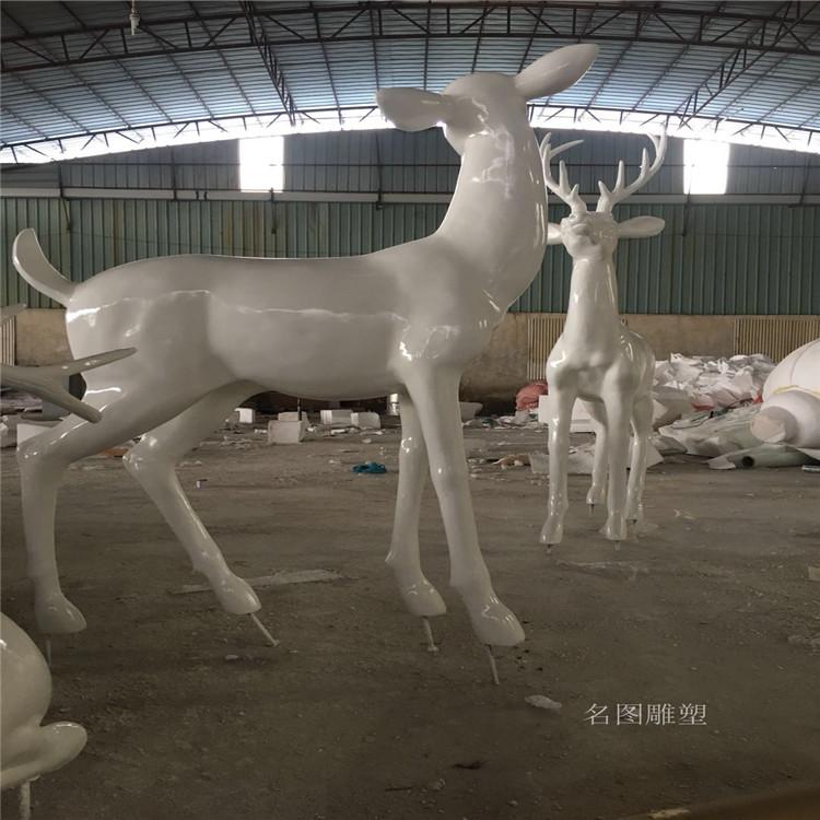 楼盘景观几何鹿雕塑 不一样玻璃钢抽象鹿群展示145223745