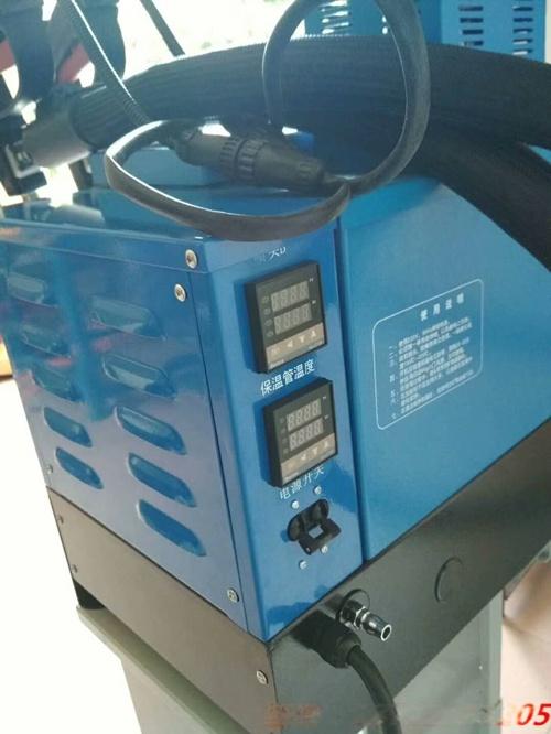 1705热熔胶机.jpg