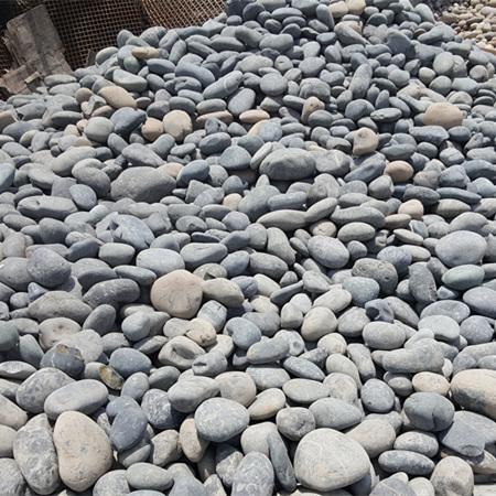 【灰色鹅卵石】_5-8公分天然灰色鹅卵石生产厂家!736240632