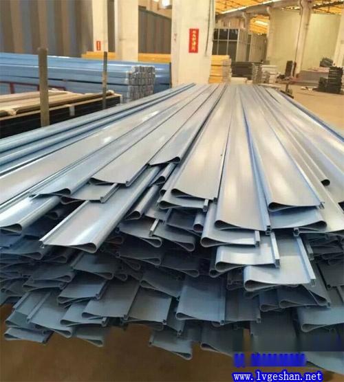 铝挂片生产厂家 滴水铝挂片价格 佛山铝挂片工厂.jpg