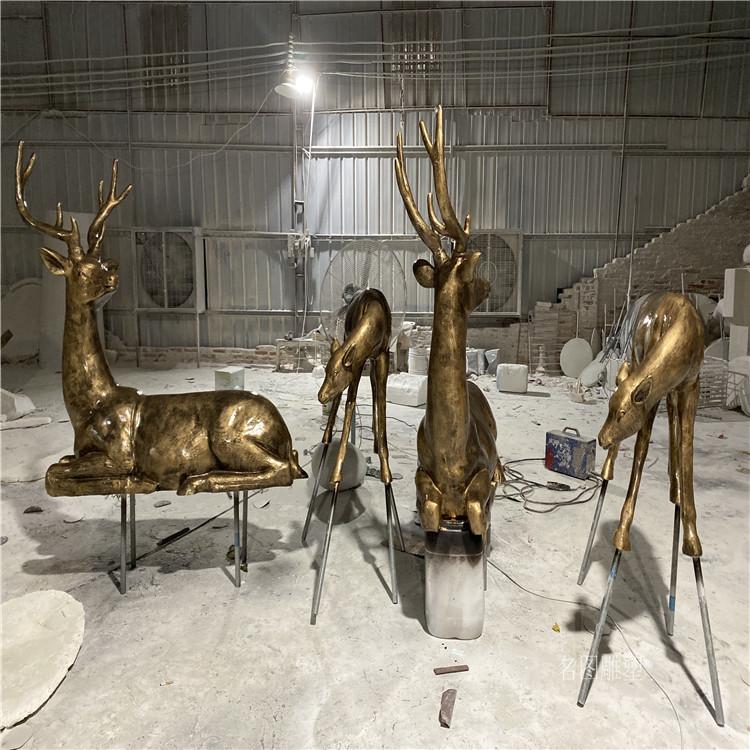 楼盘景观几何鹿雕塑 不一样玻璃钢抽象鹿群展示145223685