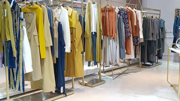 上海设计师原创米梵&张莉春季品牌女装低折扣直播  92602765