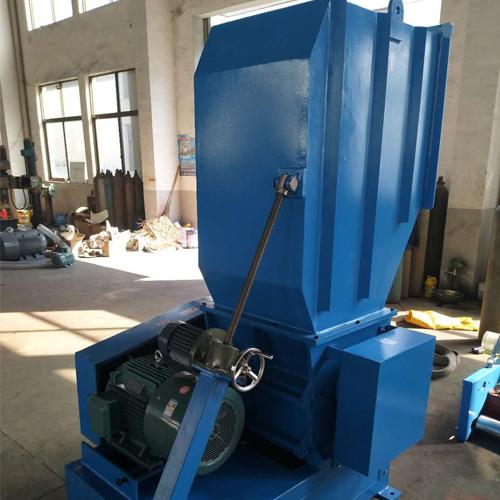 自动塑料粉碎机,强力塑料粉碎机820679915