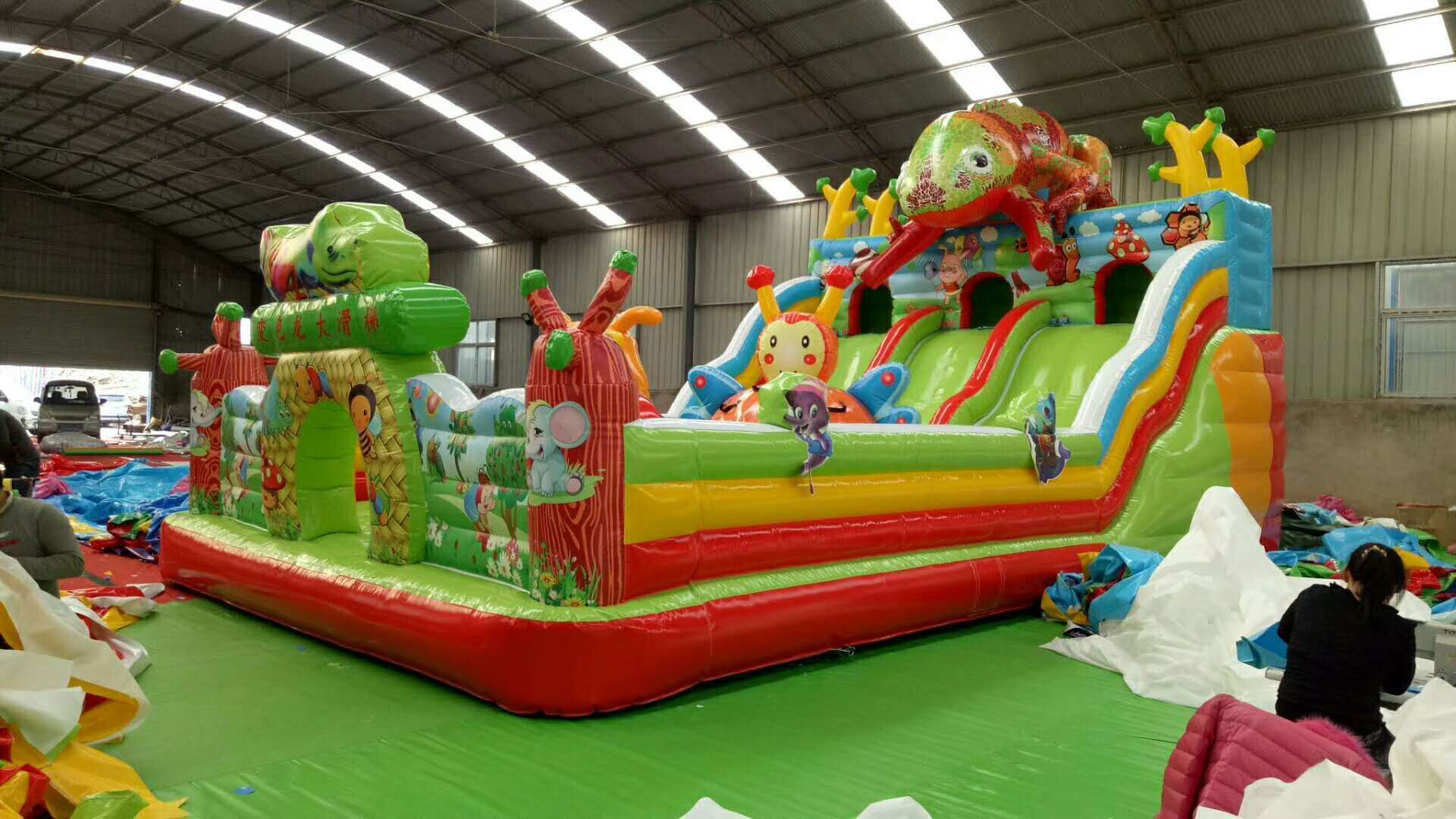 河南三门峡厂家直销充气城堡现货多少钱828654502