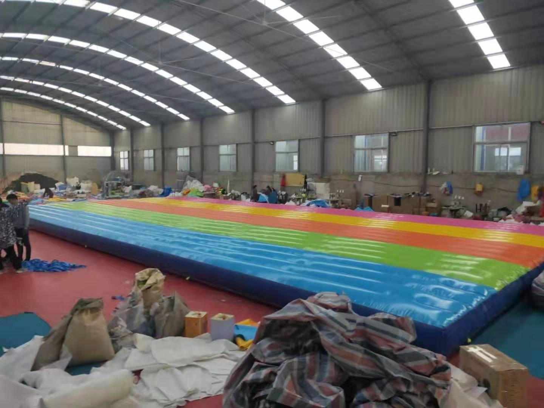 河南大型彩色网红桥气垫定做多少钱一套828384152