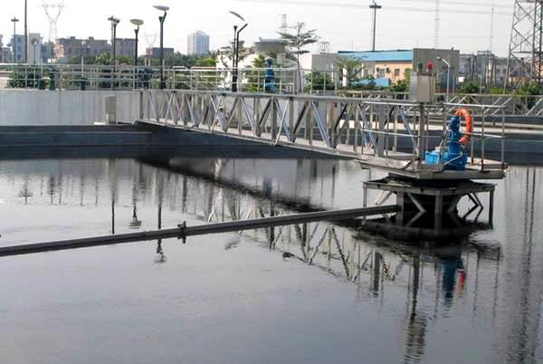 鑫泰环保中心刮吸泥机设备结构及基本原理845335992