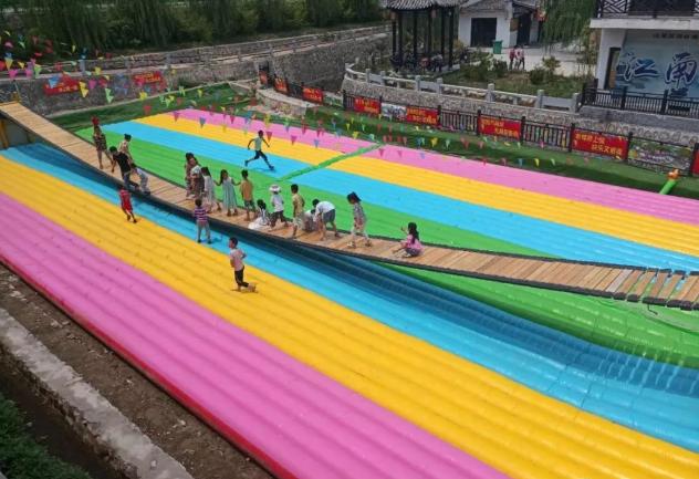 山东青岛大型彩虹色网红桥充气气垫厂家定做108442612